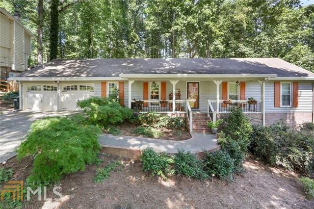 4635 Mountain Creek, Roswell, 30075, GA - Photo 1 of 31