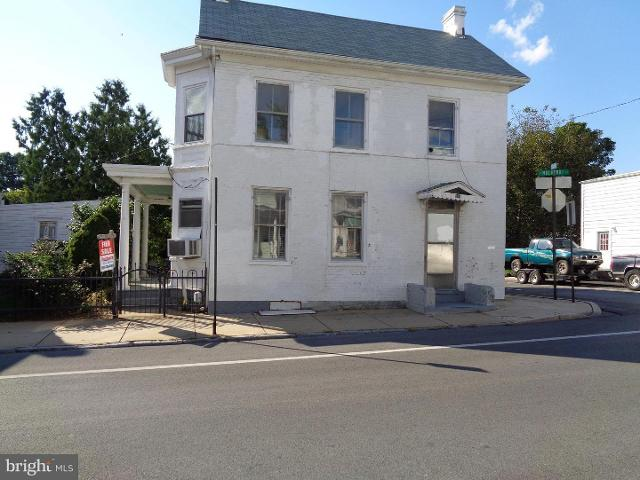 321 Mulberry St N, Hagerstown, 21740, MD - Photo 1 of 23