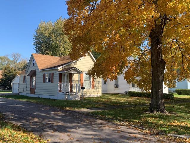 836 E Seminary Ave, Hoopeston, 60942, IL - Photo 1 of 13