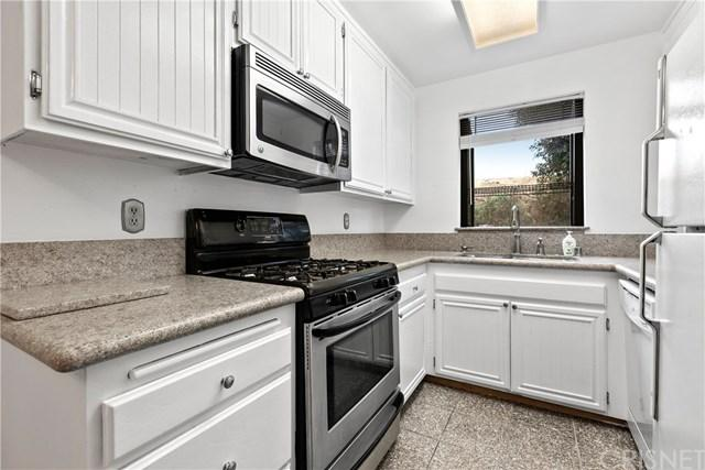 28039 Sarabande Ln Unit 117, Canyon Country, 91387, CA - Photo 1 of 26