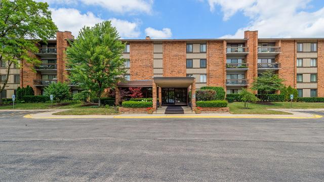 201 Lake Hinsdale Unit412, Willowbrook, 60527, IL - Photo 1 of 32
