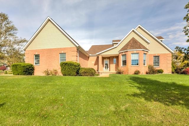 22 Long Grove Dr, Monticello, 61856, IL - Photo 1 of 48