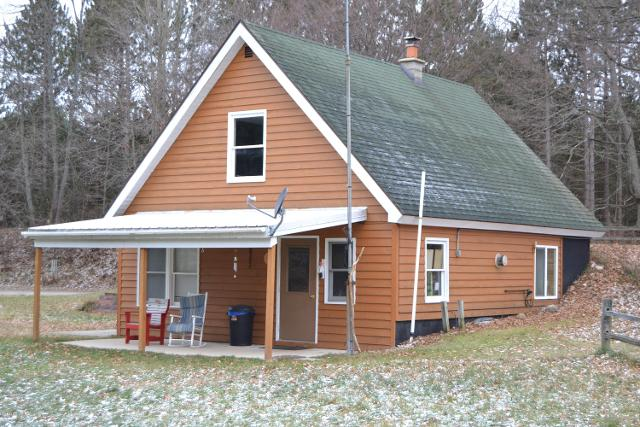 8518 S Bonney Rd, Chase, 49623, MI - Photo 1 of 37