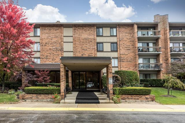 201 Lake Hinsdale Unit306, Willowbrook, 60527, IL - Photo 1 of 28