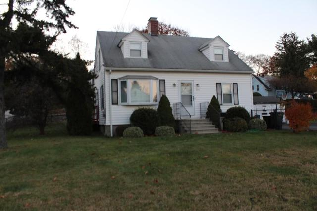 534 Lake Ave, Worcester, 01604, MA - Photo 1 of 13