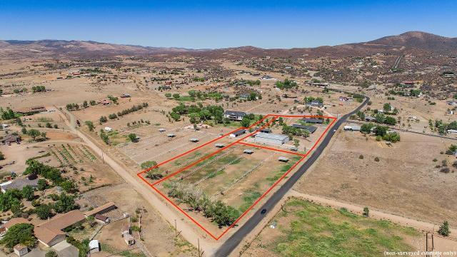 13720 E Quarterhorse Ln, Dewey, 86327, AZ - Photo 1 of 66