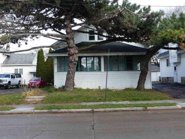 706 Merritt Ave, Oshkosh, 54901, WI - Photo 1 of 21