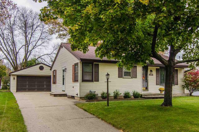 828 Mitchell, Green Bay, 54304, WI - Photo 1 of 24