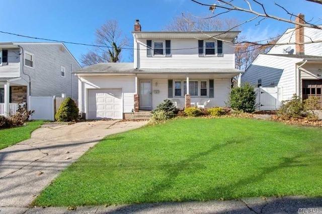 3 Nichols Rd, South Huntington, 11746, NY - Photo 1 of 20