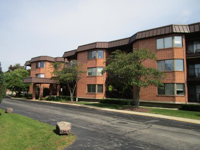 6401 Clarendon Hills Unit101, Willowbrook, 60527, IL - Photo 1 of 30
