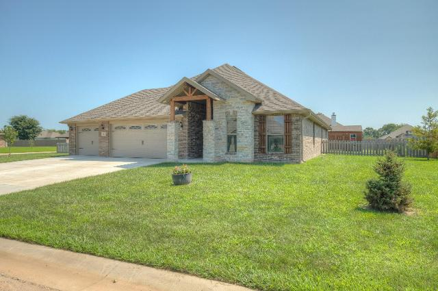 801 Blackthorn, Carl Junction, 64834, MO - Photo 1 of 30