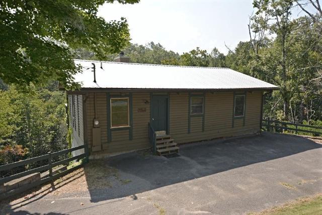 1023 Twin Oaks, Gatlinburg, 37738, TN - Photo 1 of 27