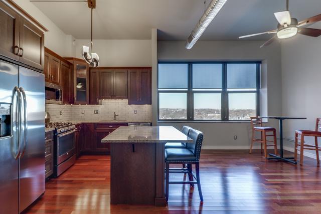 212 N Center St Unit 603, Bloomington, 61701, IL - Photo 1 of 29