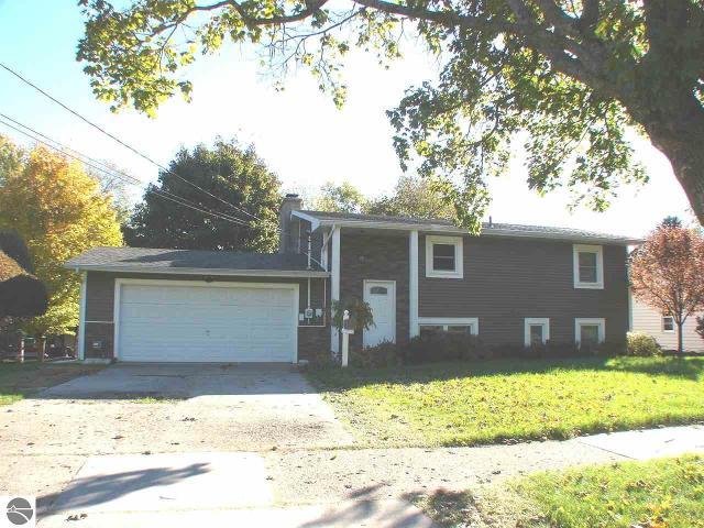 202 Pineview, Alma, 48801, MI - Photo 1 of 26