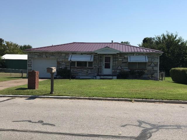 107 Joplin, Carl Junction, 64834, MO - Photo 1 of 13