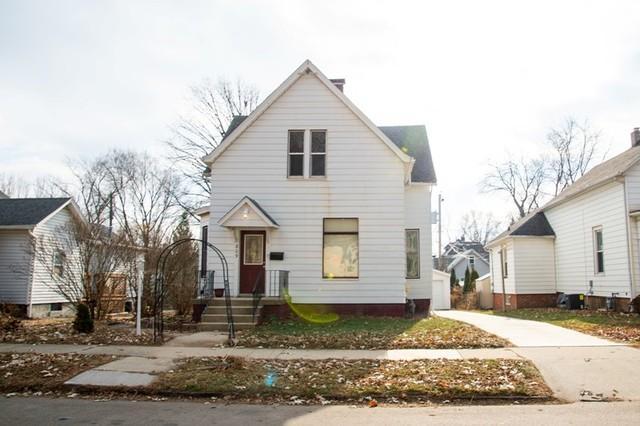 809 E Market St, Bloomington, 61701, IL - Photo 1 of 48