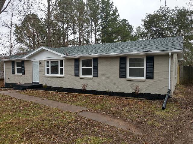 1668 Robin Pl, Clarksville, 37043, TN - Photo 1 of 19