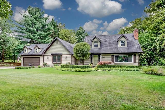 1076 Avon, Rochester Hills, 48309, MI - Photo 1 of 33