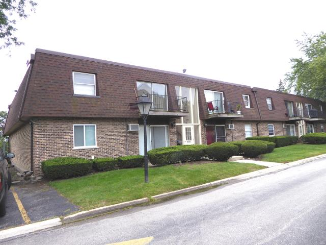 695 Grove Unit207, Buffalo Grove, 60089, IL - Photo 1 of 23