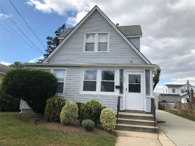 608 Edgemere, Uniondale, 11553, NY - Photo 1 of 20