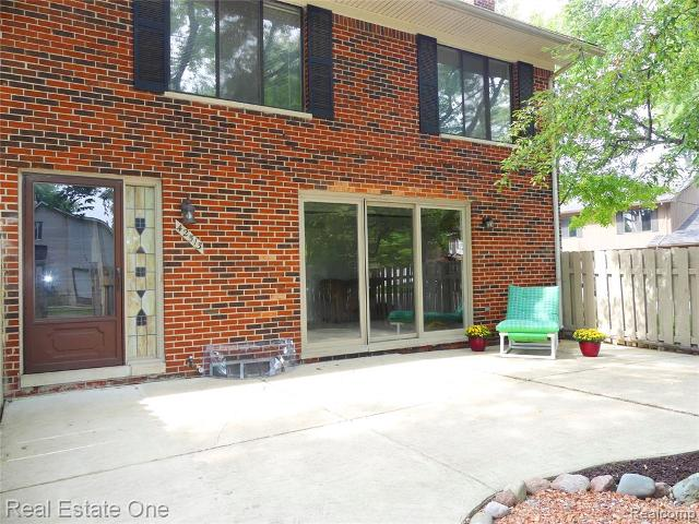 42513 Eldon UnitUnit 37, Clinton Township, 48038, MI - Photo 1 of 40