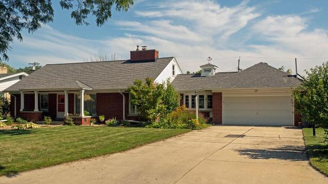 3260 N 105th St, Wauwatosa, 53222, WI - Photo 1 of 25